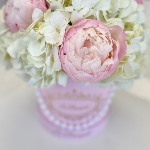pink floral arrangement orlando