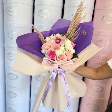 paper wrapped flower bouquet orlando