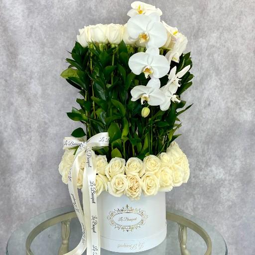 White Floral Arrangement Orlando FL